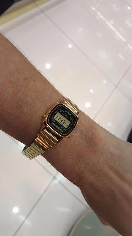 e7930a8a896 Relógio Casio Feminino Dourado Vintage Pequeno La670wga1df - R  259 ...