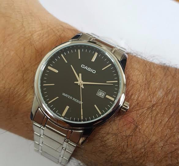4e4005fd4b5 casio masculino relógio · relógio casio masculino aço prata analógico mtp -v002d-1audf