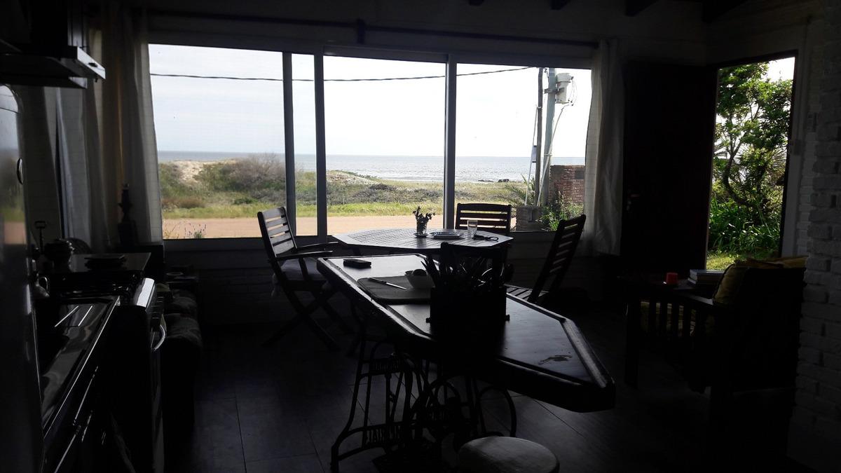 casita frente al mar, totalmente equipada para disfrutar!