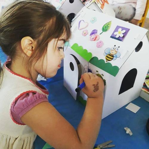 casita para armar y pintar + stickers de princesa + colores