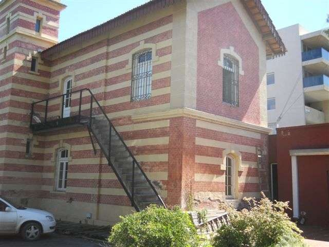 casona antigua imponente , con renta colegio lote 2000m2