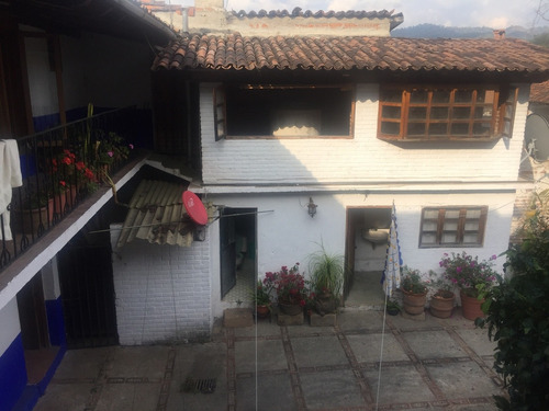 casona estilo vallesano, en el corazon del pueblo ideal para negocio local