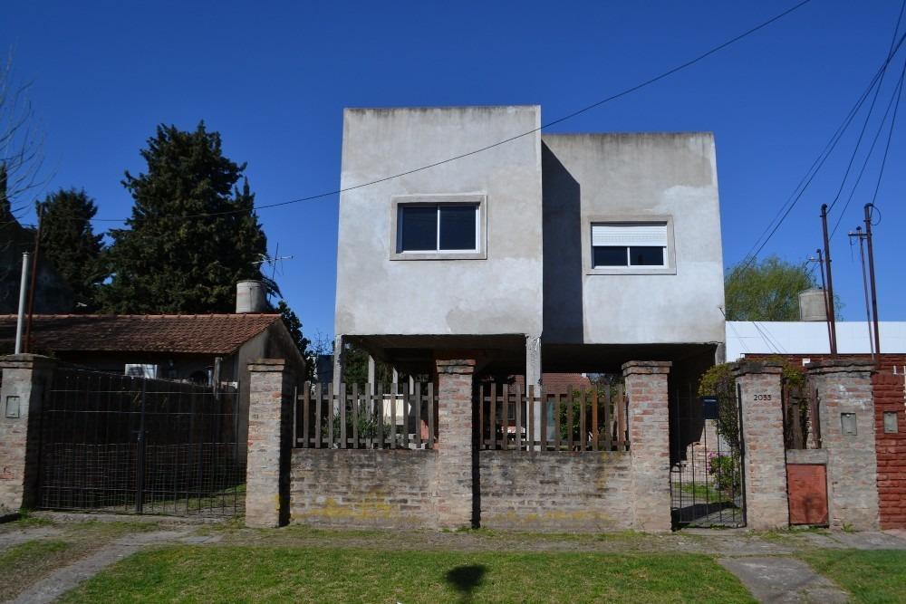 castelar - lote 300 m² con casa minimalista a terminar