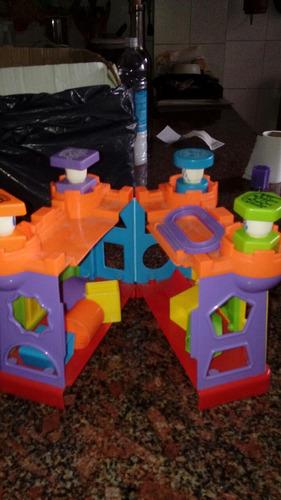 castillo de juguete con encastre.