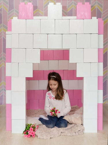 castillo de princesas con bloques plásticos. 196 piezas