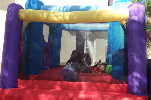 castillo inflable. 1.200 bs  3 horas