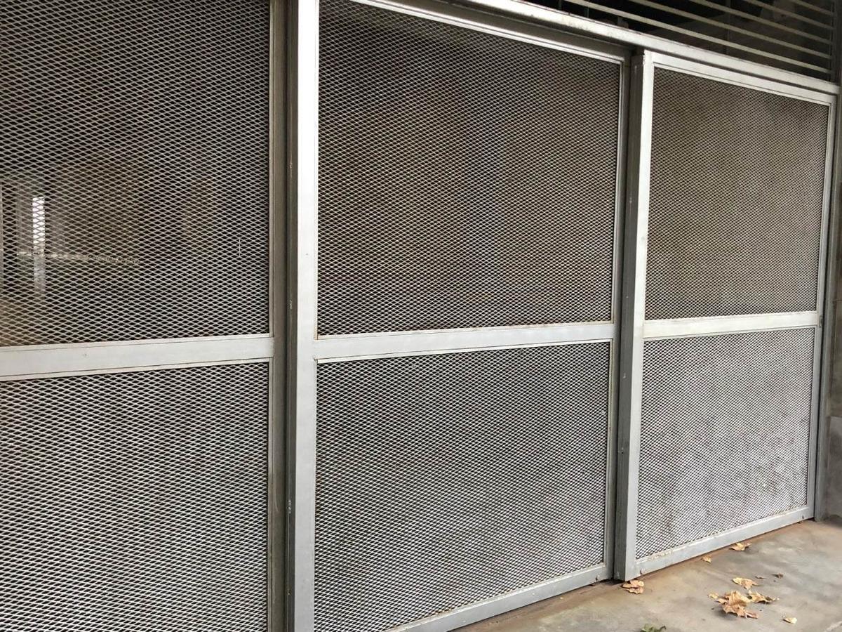 castro barros 800 - cochera cubierta en alquiler