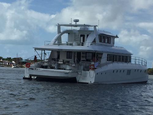 catamarã 72