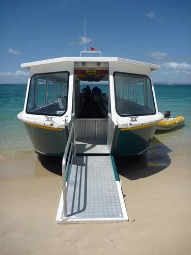 catamarã  de aluminio para pescaria turismo mergulho e lazer