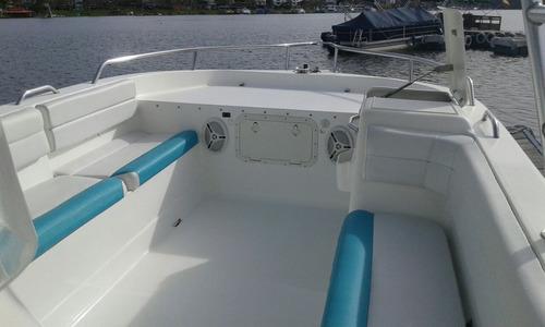 catamaran con 2 motores suzuki