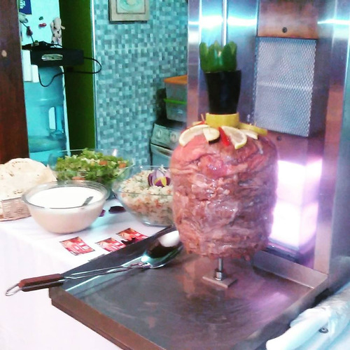 catering de shawarma y delivery  de perniles