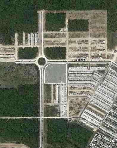 caucel 2 ha comerciales en esquina sobre avenida $1,800m2