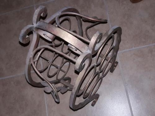 cava de fierro forjado con fragua
