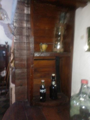 cava o bar de barril antigua