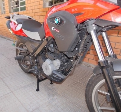 cavalete central bmw g650 gs preto fosco - chapam - 03977