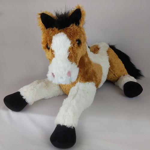 cavalo de pelúcia deitado malhado caramelo 50cm
