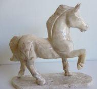 cavalo marchando 30cm em pedra