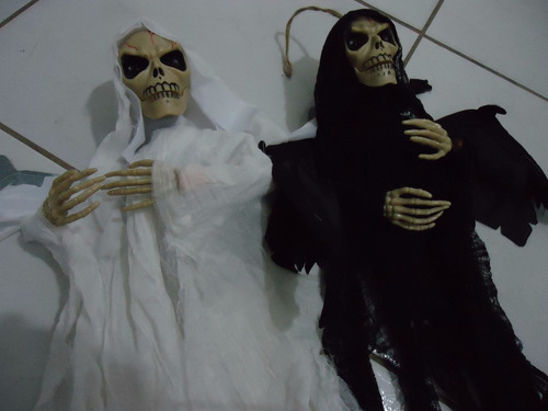 caveira halloween para pendurar terror horror 57x38