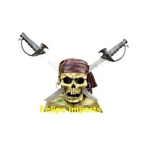 caveira piratas do caribe resina com espadas aço 50x50