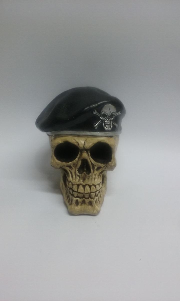 caveira skull coleção mercenarios boina preta em gesso. Carregando zoom. ee949be28c1