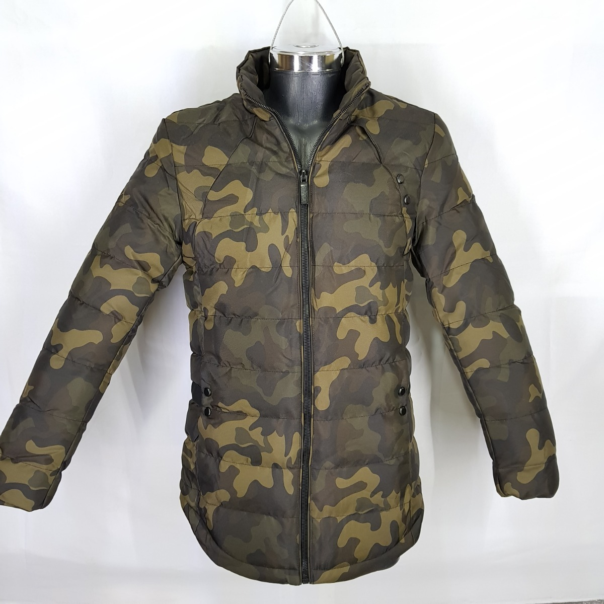 cf7c4db1f51af4 cazadora-camuflaje-chamarra-termica-abrigo-militar-peluche-D_NQ_NP_626392-MLM29008845639_122018-F.jpg