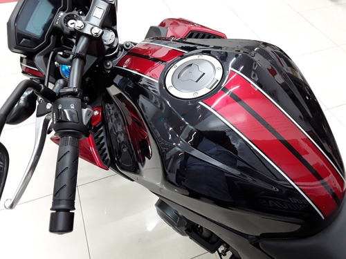 cb 500f freios abs - painel digital - farol e lanterna led