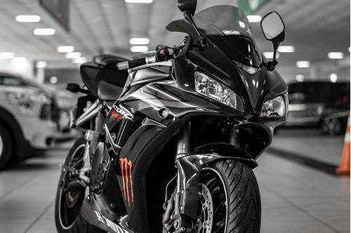 cbr 1000 carro moto