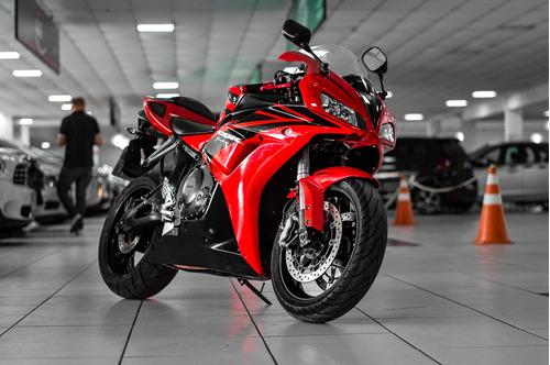 cbr 1000 rr ano: 2007 aceitmos seu carro ou moto na troca