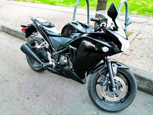 cbr 250 negra