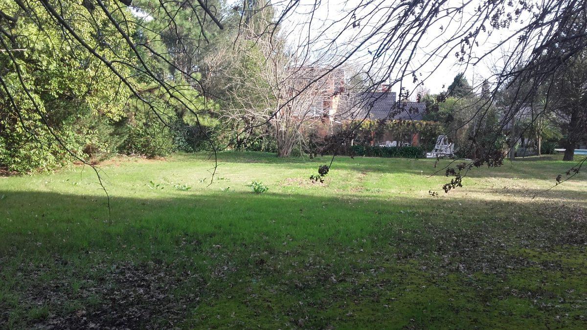 c.c. los cardales lote en zona bosque en venta 700 m²