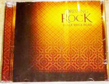 cd dressing rock - black brick road (covers rock clássico)