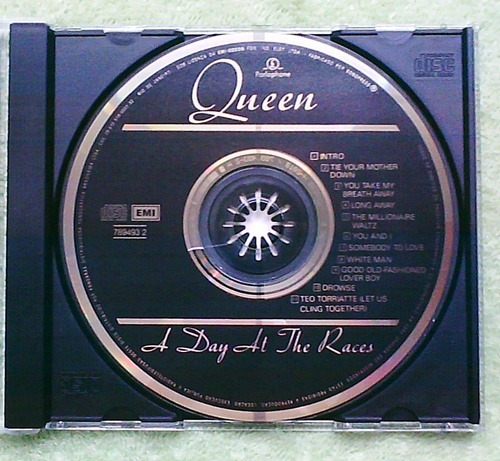 cd queen - a day at the races *