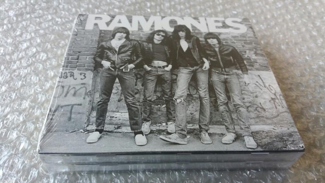 Cd Ramones - The First Album - Digip  - Tir  Aa - Lacrado