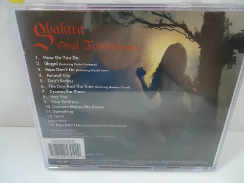cd shakira - oral fixation vol. 2 - (esc 12)