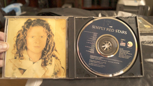 cd simply red stars