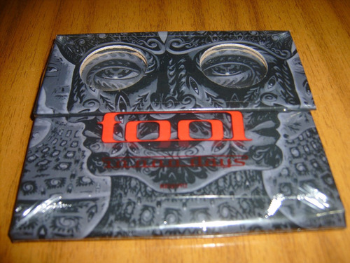 cd tool / 10,000 days (nuevo y sellado)  / made in usa
