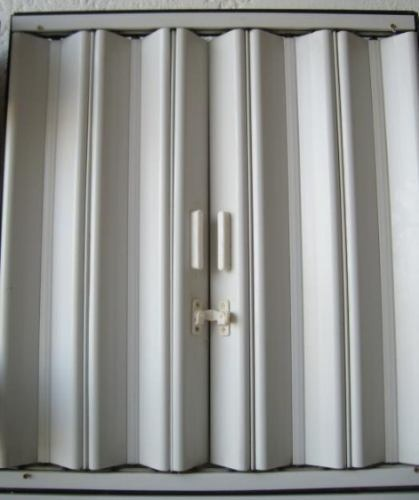 stunning interesting celosias puertas plegables pvc with cortinas para puertas abatibles with cortinas abatibles - Cortinas Para Puertas Abatibles