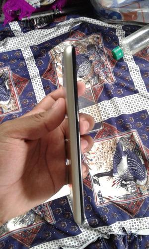celular alcatel de 5.5 pulgadas seminuevo