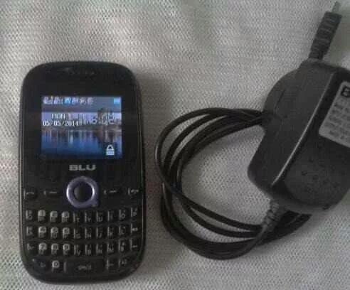 celular blu samba doble chip y cargador