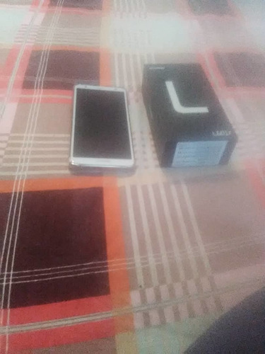 celular hyundai l601f