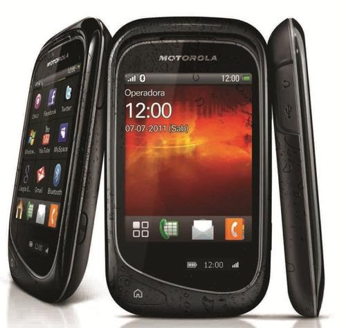 celular motorola ex132 com camera 2mp, 3g, mp3, radio