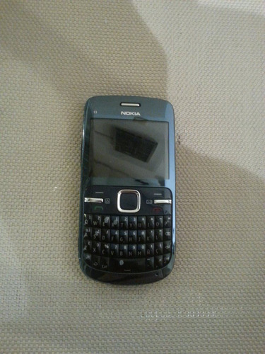 celular nokia c3 con cargador en excelente estado. movistar