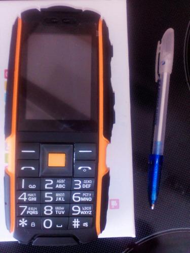 celular resistente golpes fuertes,agua,linterna,camara,