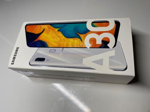 celular samsung a30, 32 g, color blanco, totalmente nuevo!!