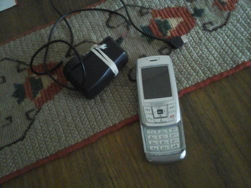 celular samsung con cargador para reparar