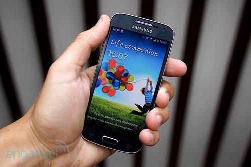 celular samsung s4 mini + 8gb + film se reinicia