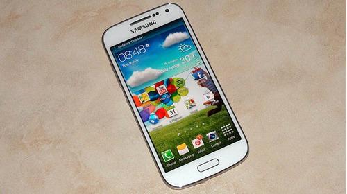celular samsung s4 mini , liberado ,semi-nuevo , sin detalle