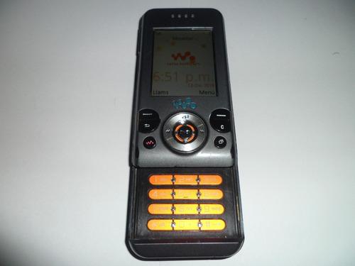 celular w580 sony ericsson con  accesorios