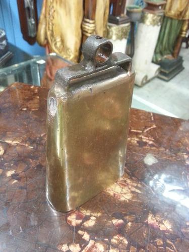 cencerro o campana antigua en hierro y bronce maciza