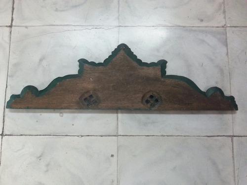 cenefa antigua quiteña tallada en madera cedro con laminilla